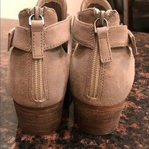 ce11fd0b545 Caslon Shoes - NWOT Caslon Tina Bootie